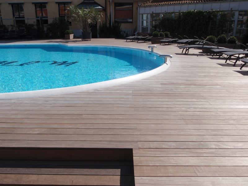 ipe trall cumaru trall vid pool utomlands